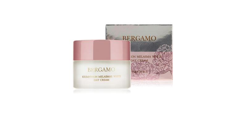 Bergamo Keumhyeon Melasma White Day Cream 15g ผิวสวยดั่งสาวเกาหลี กับครีมบำรุงผิวสูตรกลางวัน จากเบอร์กาโม่ อุดมด้วยส่วนผสมจากปลาคาเวียร์ ดอกโบตั๋น โสมเกาหลี อาร์บูติน และวิตามินซี ช่วยลดฝ้าแดด พร้อมปรับผิวให้กระจ่างใส