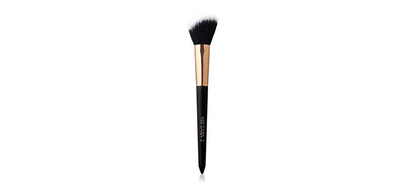 NEE CARA Blush Brush #02