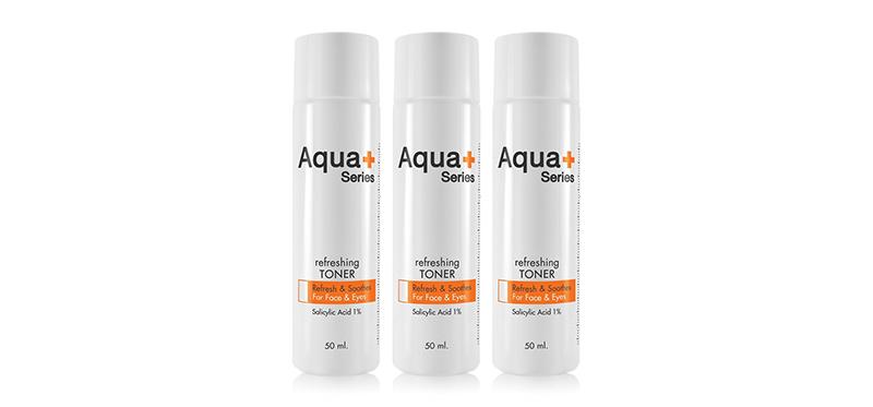 [แพ็คสาม] Aqua+ Series Refreshing Toner (50ml x 3pcs) โทนเนอร์ที่ขจัดความมันส่วนเกิน ผิวเสื่อมสภาพที่ตกค้างจากการล้างหน้า โดยอควาพลัส ซีรี่ส์ ด้วย Salicylic Acid ให้การผลัดผิวทำงานได้ดียิ่งขึ้น รูขุมขนสะอาดล้ำลึก ช่วยให้ผิวเรียบเนียนกระจ่างใส